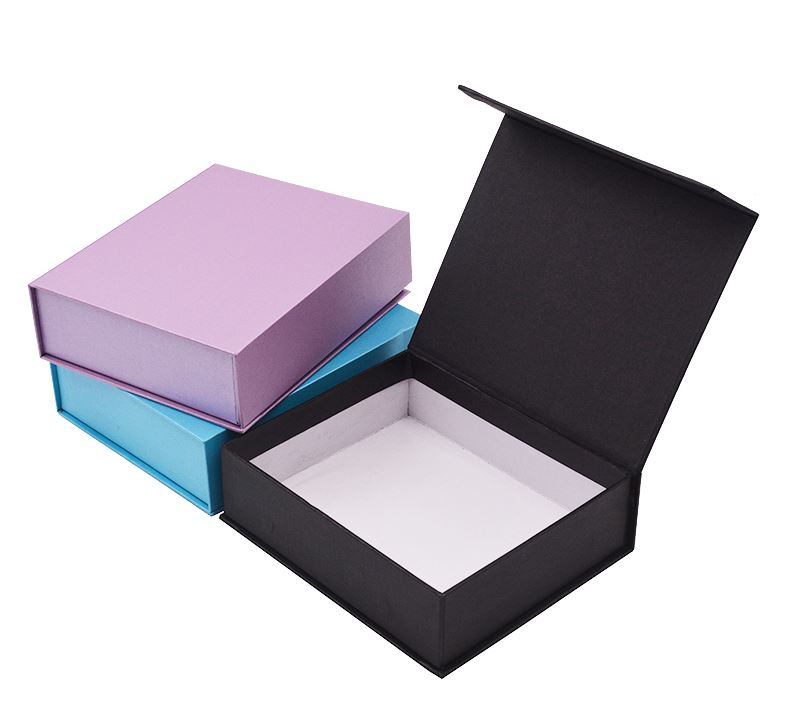 Custom Logo Printed Magnetic Closure Paper Gift Boxes