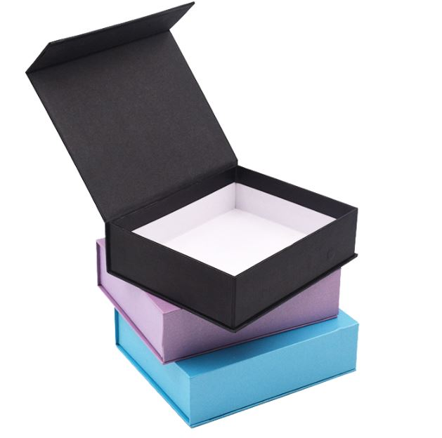 Custom Logo Printed Magnetic Closure Paper Gift Boxes